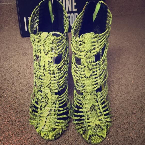 e0f5cc2b806 Lime green and black snake print heels NWT